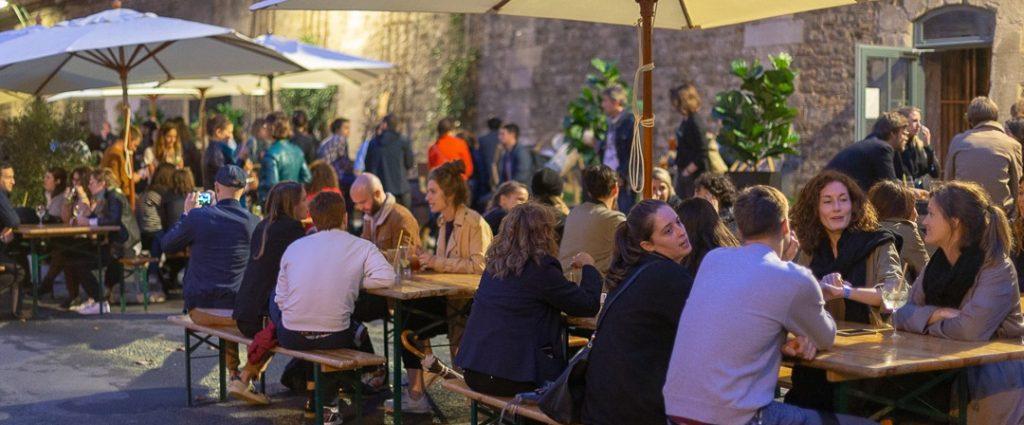 Bar avec terrasse à Paris en bord de Seine - Le Scilicet